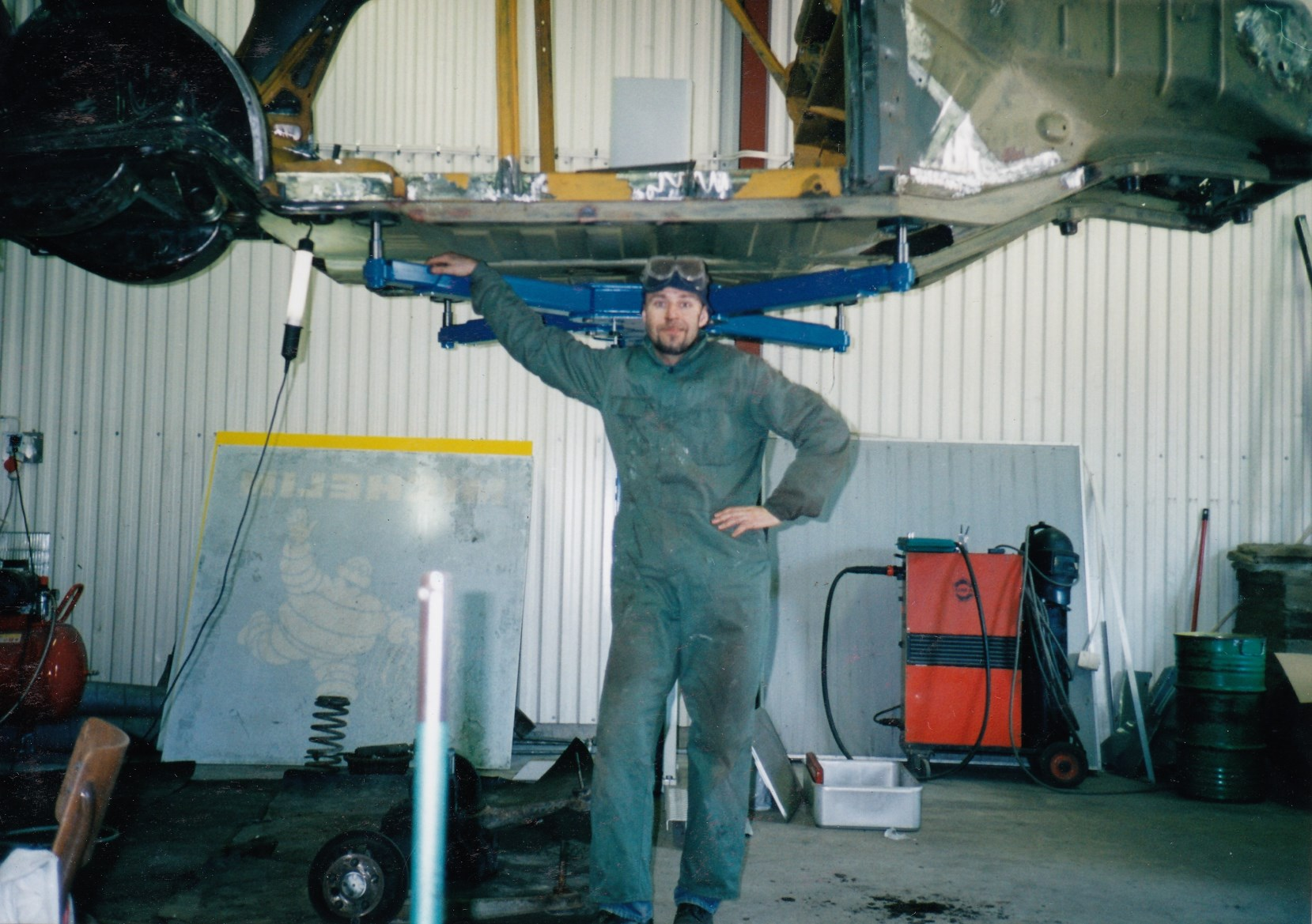 Me working side by side with the welder in Kisa on my Mercedes Ponton, 2001