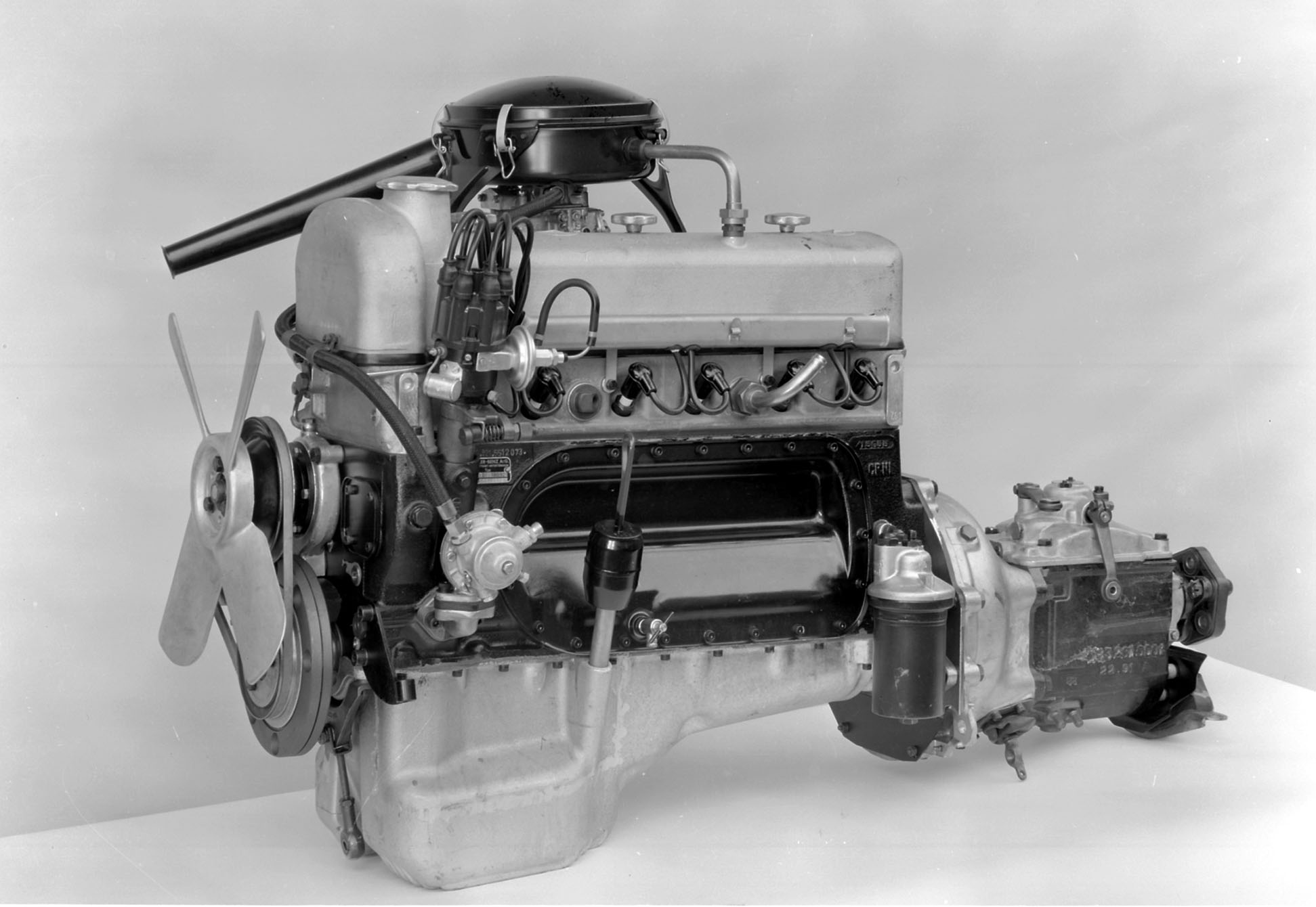 Mercedes-Benz engine M 180 II, © Daimler AG