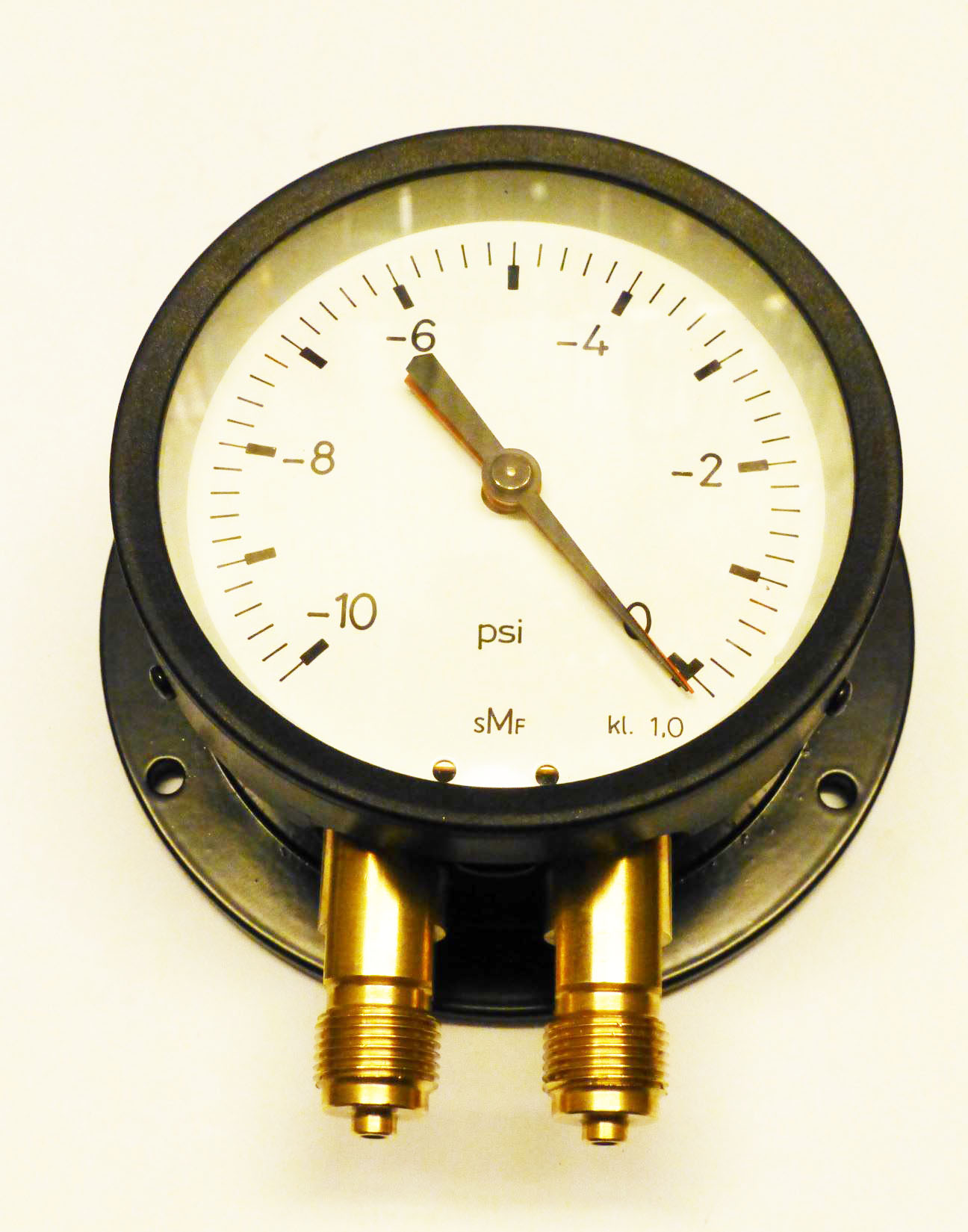 A new double gauges vacuum manometer for testing Mercedes Ponton ATE T50