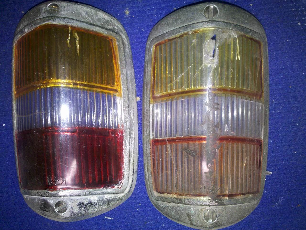Mercedes-Benz 219 restoration > Stop and tail light